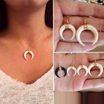 Bohemian Style Horn Pendant Necklace