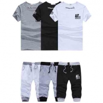 Fashion Short Sleeve Round Neck T-shirt + Cropped Pants Men's Two-piece Set