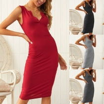 Sexy Solid Color V-neck Sleeveless Slim Fit Dress