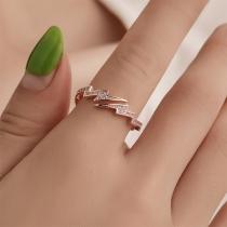 Fashion Rhinestone Inlaid Lightning Shaped Ring