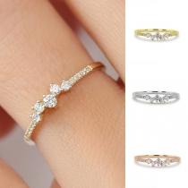 Fashion Rhinestone Inlaid Alloy Ring