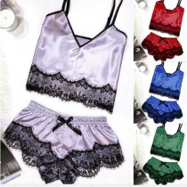 Sexy Backless V-neck Lace Spliced Sling Top + Shorts Nightwear Set (The size falls small)