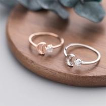 Fashion Rhinestone Inlaid Crecent Shaped Ring