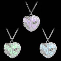 Fashion Rhinestone Inlaid Hollow Out Heart Pendant Luminous Necklace