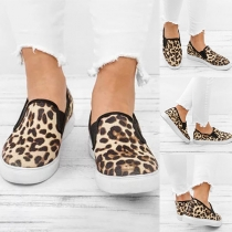 Fashion Flat Heel Round Toe Leopard Printed Canvas Shoes