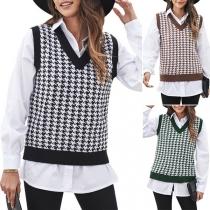 Fashion Sleeveless V-neck Plaid Knit Vest